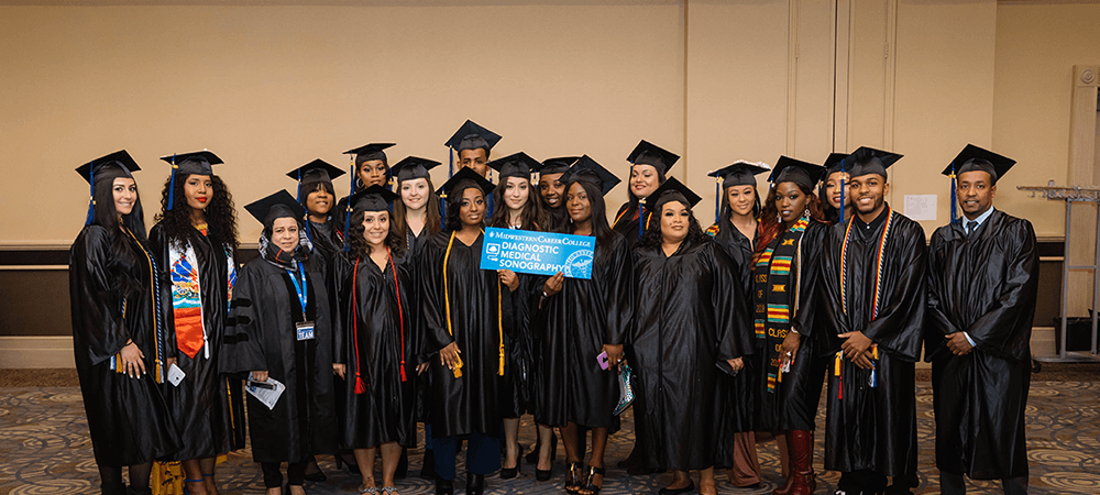 MCC-Graduation18groupDMS