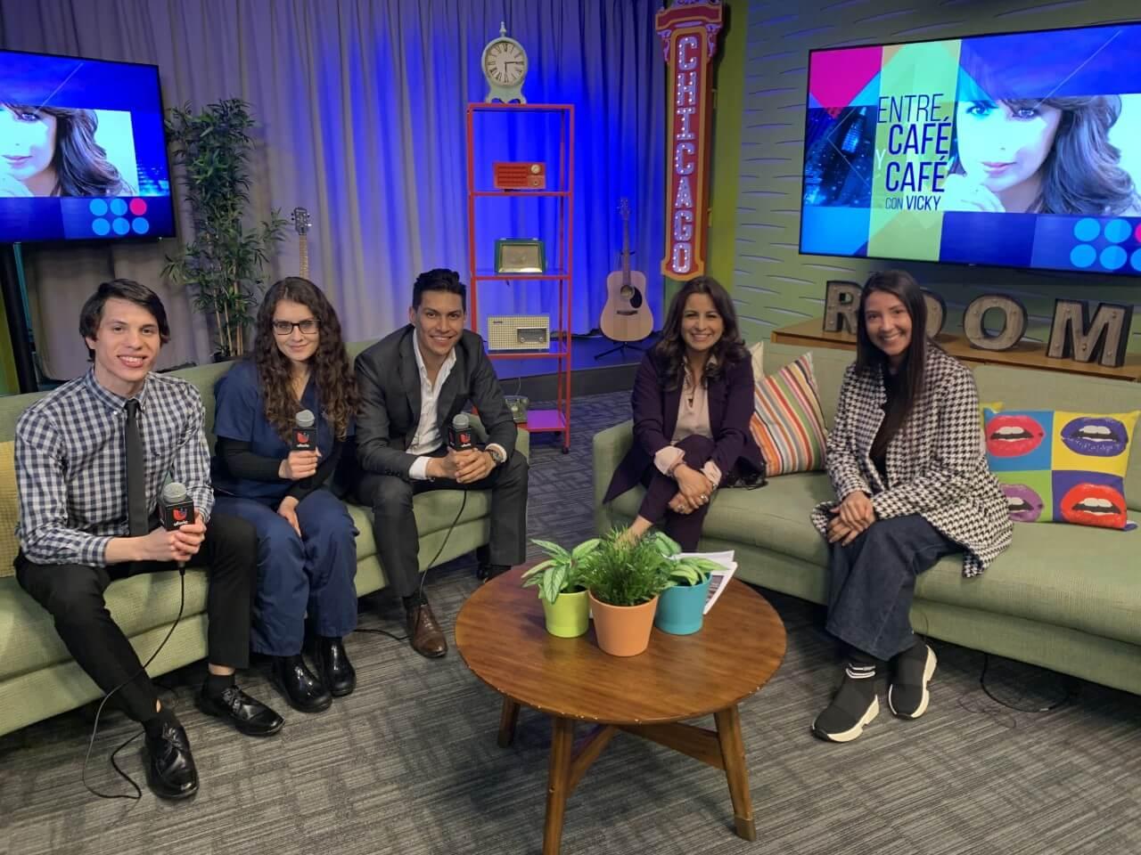 Univision Amor 106.7 FM's Entre Cafe y Cafe con Vicky